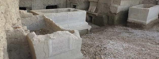 Perge Batı Nekropolisi'nden Yeni Mezar Yazıtları
