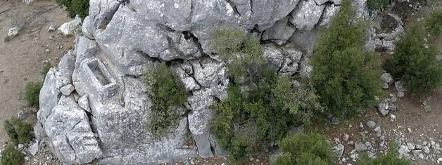 Phaselis Teritoryumu'nda Kolalemis ve Ailesine Ait Khamosorion ve Çiftlik Yerleşimi